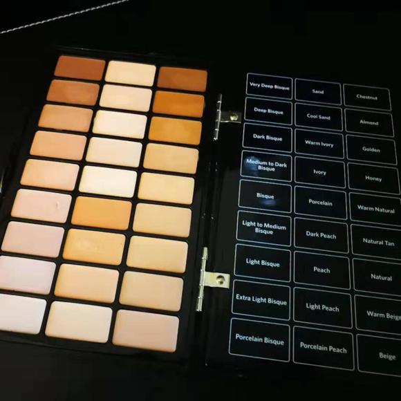 Bobbi Brown Other - Bobbi Brown BBU Pro Face Palette